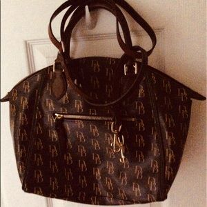 Dooney & Bourke Handbag. Never used.
